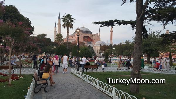 حديقة السلطان أحمد ومتحف ايا صوفيا في اسطنبول