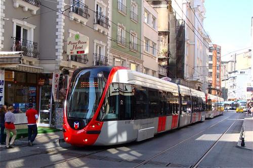 محطة الترام في اسطنبول السلطان احمد