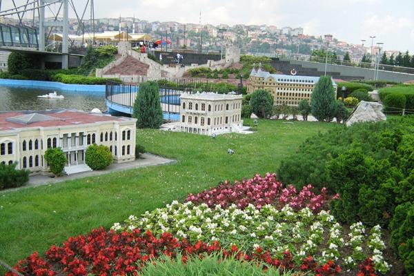 حديقة مينيا تورك في اسطنبول
