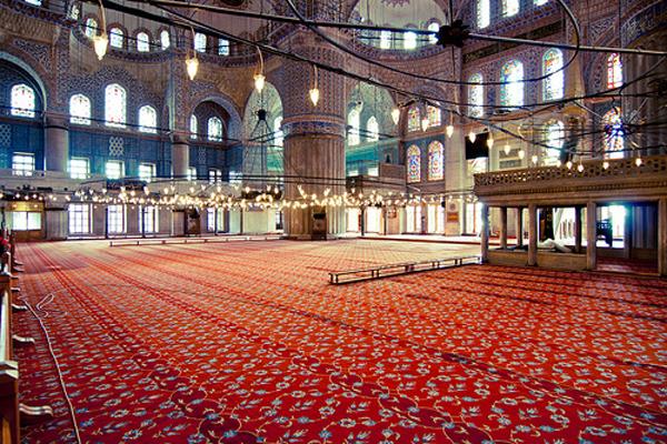 جامع السلطان احمد من الداخل