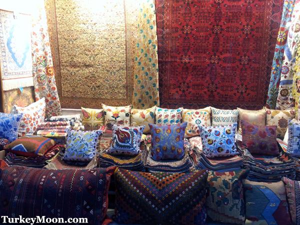 محلات السجاد في سوق اراستا بازار في السلطان احمد