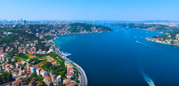 مضيق البسفور في اسطنبول