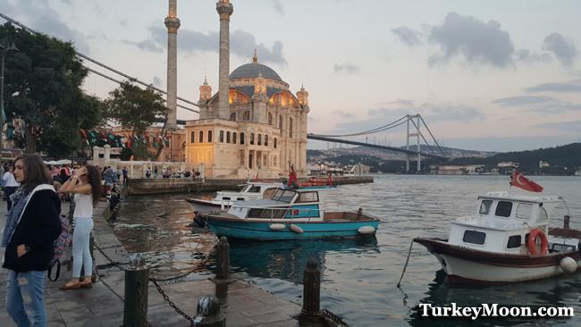 جامع اورتاكوي في اسطنبول البسفور