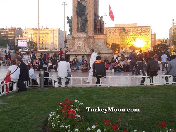 ساحة تقسيم سكوير في اسطنبول