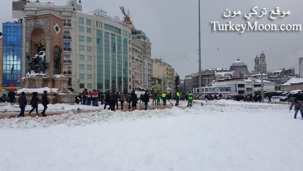 تساقط الثلوج في اسطنبول ساحة تقسيم سكوير