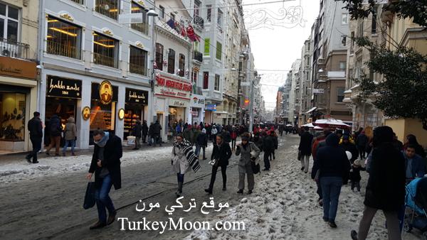 تساقط الثلوج في اسطنبول شارع الاستقلال