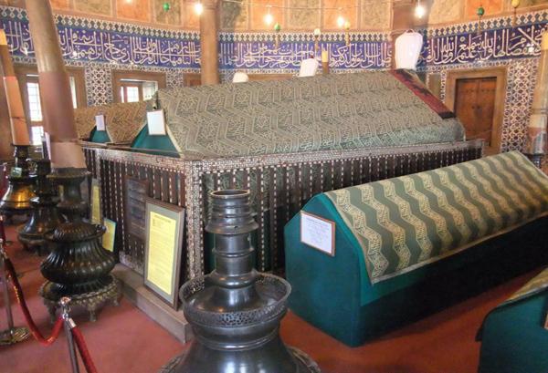 قبر السلطان سليمان القانوني في جامع السليمانية